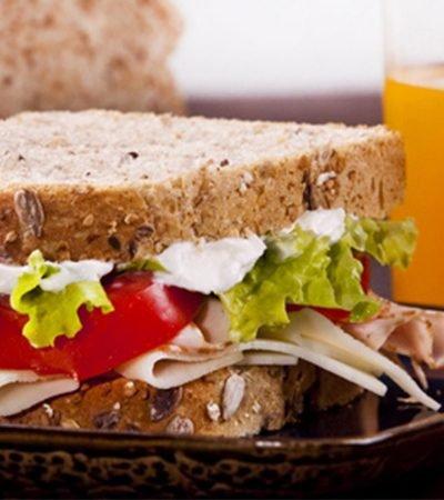 Sándwich integral de pavo
