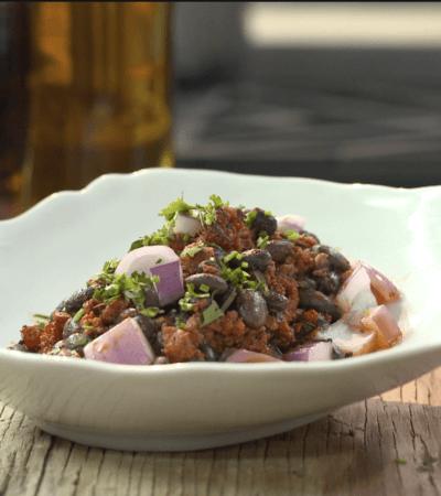 Ensalada de Frijoles con Chorizo y Cilantro