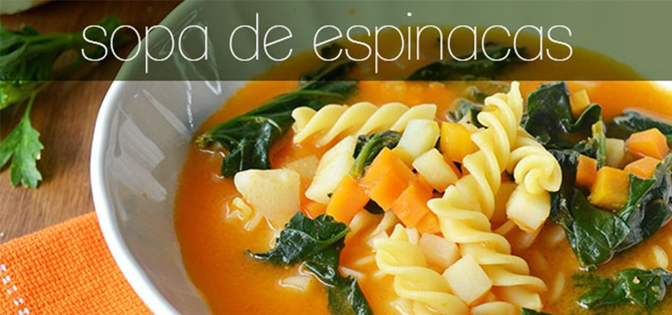 Sopa de pasta tornillo y espinacas