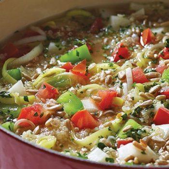 Sopa de quinoa y vegetales