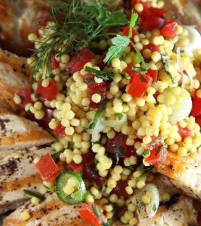 Tabbouleh de pasta con pollo a la parrilla