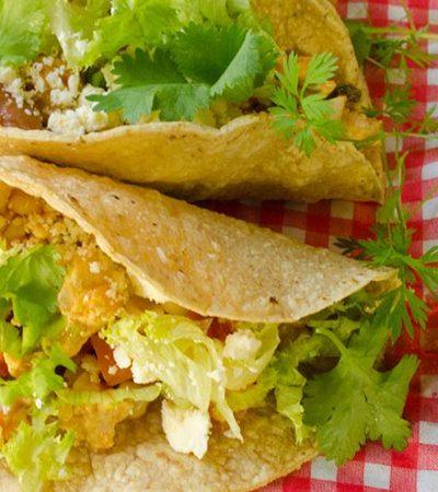 Tacos de chili de pollo y vegetales