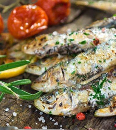 Tacos de sardina con salsa de aguacate y habanero