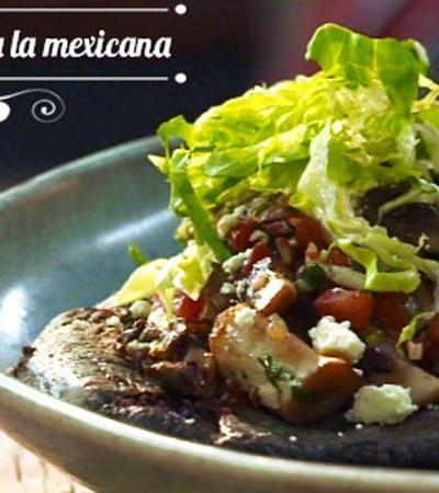 Tlacoyos de hongos a la mexicana