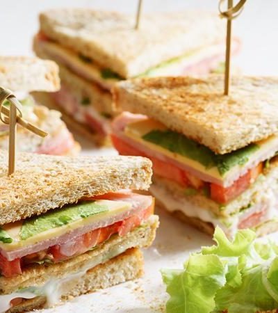 Triángulos de sándwich