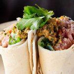 Burrito de Atún Sellado con Salsa de Ajonjolí