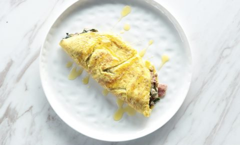 Omelette de Espinacas, Tocino, Echalote y Champiñones