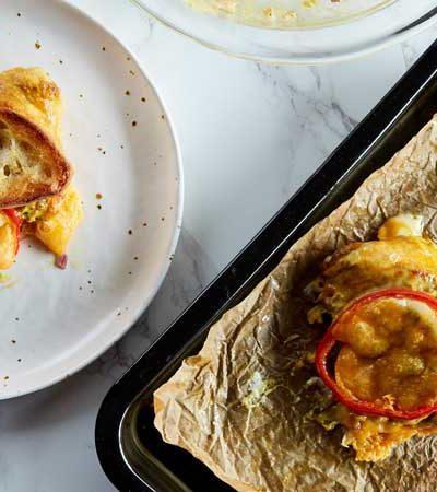 Sándwich de atún con queso