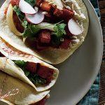 Tacos veganos de papa adobada