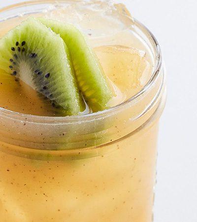 Agua de melón y kiwi