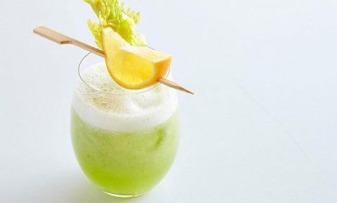Agua de apio y limon