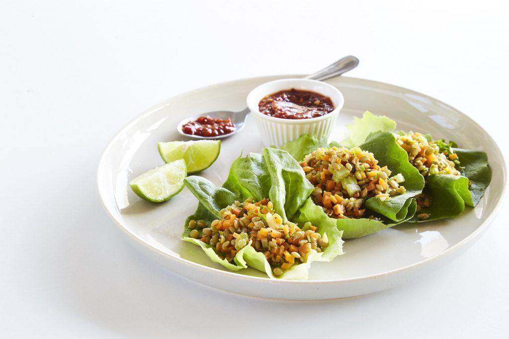 tacos-de-lechuga-con-gemrinado-de-lentejas-sin-desperdicio-receta