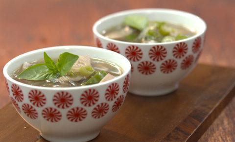 Sopa de Jurel con Fideos de Arroz