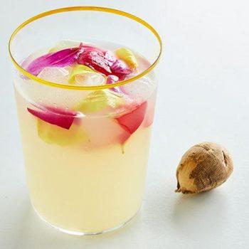 Agua de Limón y Dalias