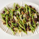 Ensalada de Ejotes, Arándanos, Parmesano y Semillas