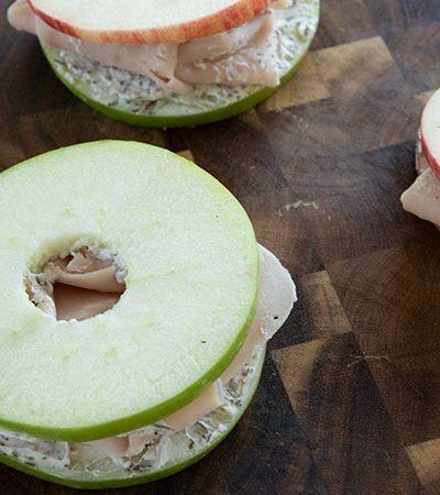 sandwich manzanas y pavo