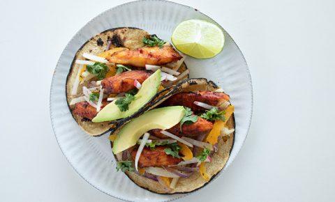 Tacos de Pescado con Ensalada de Jícama
