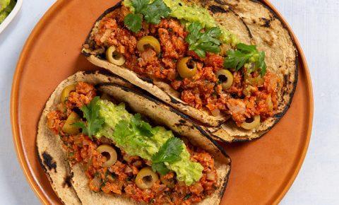 Tacos de Atún Guisado con Guacamole
